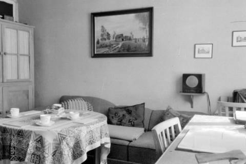 ARH NL Dierssen 0109/0008, Wohnzimmer der Familie Dierssen, 1947