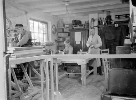 ARH NL Dierssen 0110/0013, Sandaletten - Fabrikation in der Friedrichstraße, 1947