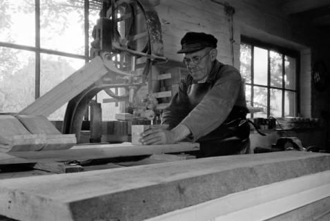 ARH NL Dierssen 0110/0015, Sandaletten - Fabrikation in der Friedrichstraße, 1947