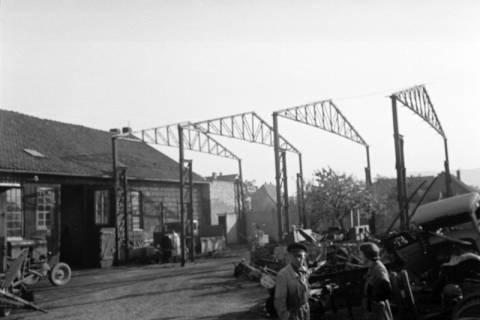 ARH NL Dierssen 0111/0007, Wedekind baut Halle bei Stedler, 1947