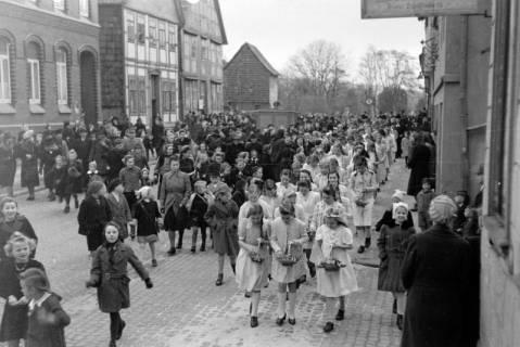 ARH NL Dierssen 0114/0001, Umzug bei einer Konfirmierung, 1948