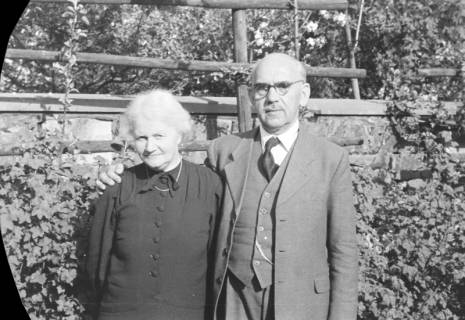 ARH NL Dierssen 0116/0022, Familie Creutzig, 1948