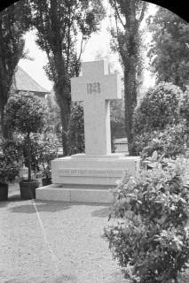 ARH NL Dierssen 0119/0011, Einweihung Ehrenmal Friedhof, 1948