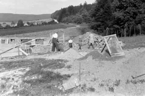 ARH NL Dierssen 0126/0008, Hausbau in Selbsthilfe, 1948