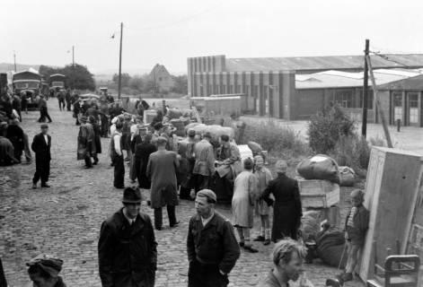 ARH NL Dierssen 0127/0010, Flüchtlingszug via Schleswig-Holstein kommend, 1948