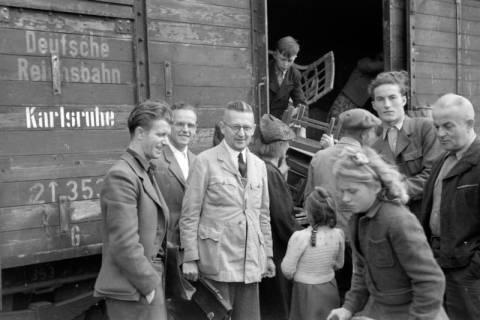 ARH NL Dierssen 0128/0003, Flüchtlingszug via Schleswig-Holstein kommend, ohne Datum