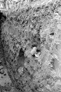 ARH NL Dierssen 0128/0009, Ausgrabung an der Kirche, 1948