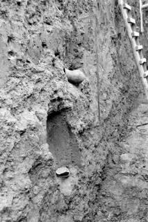ARH NL Dierssen 0128/0010, Ausgrabung an der Kirche, 1948