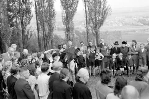 ARH NL Dierssen 0128/0023, Herbstfest der Mittelschule an der Deisterpforte, 1948