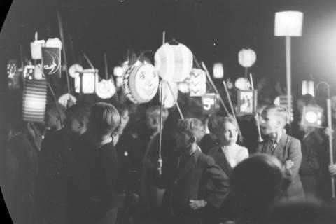 ARH NL Dierssen 0129/0009, Herbstfest der Mittelschule an der Deisterpforte, 1948