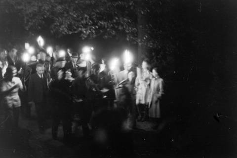 ARH NL Dierssen 0129/0011, Herbstfest der Mittelschule an der Deisterpforte, 1948