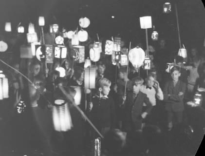 ARH NL Dierssen 0129/0015, Herbstfest der Mittelschule an der Deisterpforte, 1948
