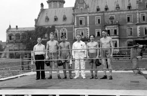 ARH NL Dierssen 0131/0003, Trizonale Wettkämpfe am Schloss, Hasperde, 1948