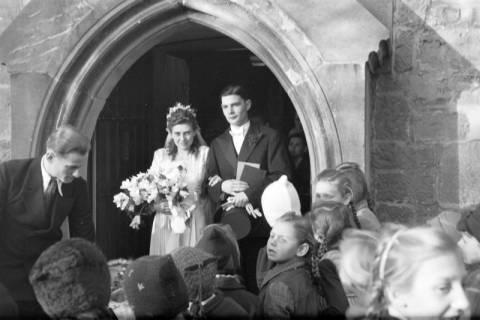 ARH NL Dierssen 0134/0018, Hochzeit Hustadt, Springe, 1948