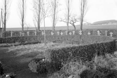 ARH NL Dierssen 0135/0023, Friedhof und Ehrenfriedhof, Bad Münder, 1948