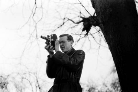 ARH NL Dierssen 0140/0010, Gerhard Dierssen beim Filmen bei Barreuschee, 1949