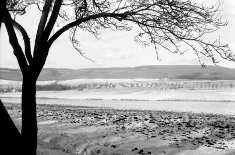 ARH NL Dierssen 0144/0009, Blick auf das schneebedeckte Springe, um 1949