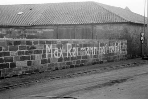"""ARH NL Dierssen 0145/0001, Aufschrift """"Max Reimann hat recht!"""", Springe, um 1949"""