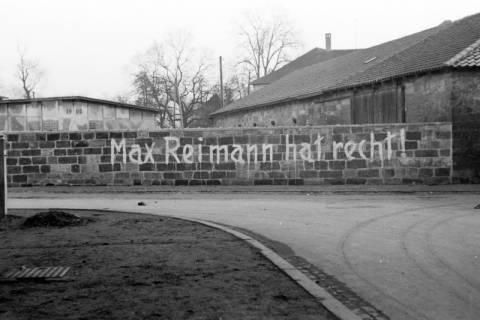"""ARH NL Dierssen 0145/0002, Aufschrift """"Max Reimann hat recht!"""", Springe, um 1949"""