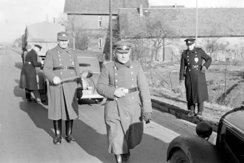 ARH NL Dierssen 0147/0005, Polizeikontrolle, 1949