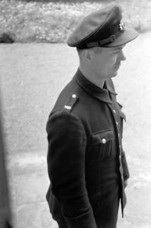ARH NL Dierssen 0148/0017, Polizist Bröhlmann, um 1949