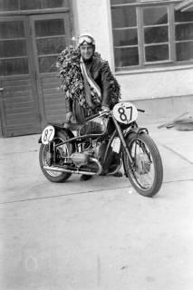 ARH NL Dierssen 0149/0004, Rennfahrer Mensenkamp, Springe, um 1949