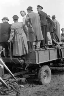 ARH NL Dierssen 0149/0010, Reiterfest, 1949