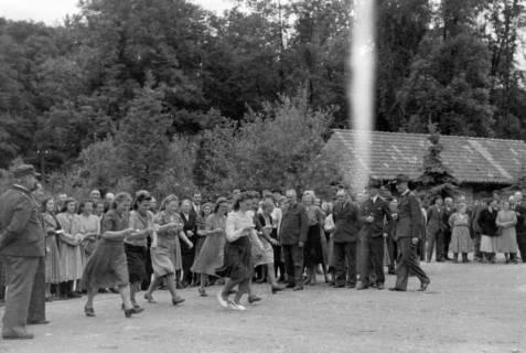 ARH NL Dierssen 0150/0002, Betriebsfest des Forstamt Saupark, Eldagsen, 1949