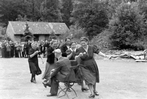 ARH NL Dierssen 0150/0007, Betriebsfest des Forstamt Saupark, Eldagsen, 1949