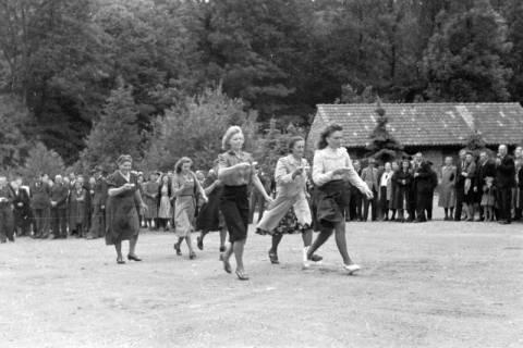ARH NL Dierssen 0150/0008, Betriebsfest des Forstamt Saupark, Eldagsen, 1949