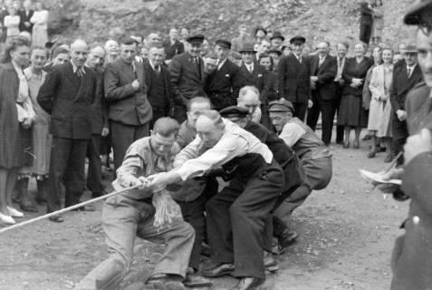 ARH NL Dierssen 0150/0012, Betriebsfest des Forstamt Saupark, Eldagsen, 1949