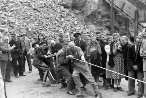 ARH NL Dierssen 0150/0013, Betriebsfest des Forstamt Saupark, Eldagsen, 1949
