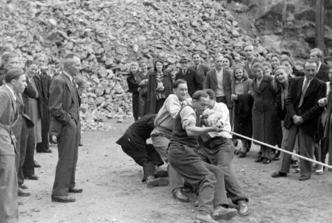 ARH NL Dierssen 0150/0014, Betriebsfest des Forstamt Saupark, Eldagsen, 1949