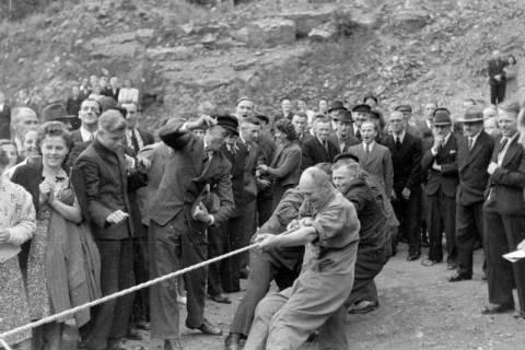 ARH NL Dierssen 0150/0015, Betriebsfest des Forstamt Saupark, Eldagsen, 1949