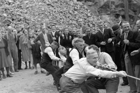 ARH NL Dierssen 0150/0016, Betriebsfest des Forstamt Saupark, Eldagsen, 1949