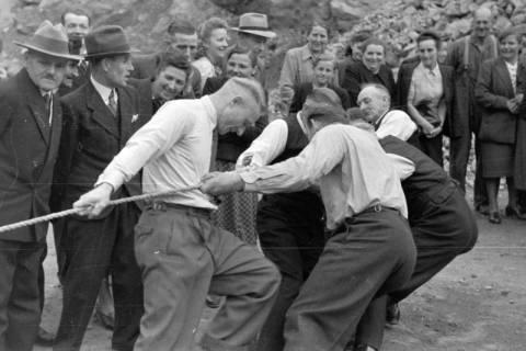 ARH NL Dierssen 0150/0017, Betriebsfest des Forstamt Saupark, Eldagsen, 1949