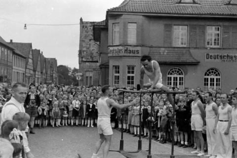 ARH NL Dierssen 0150/0032, Schauturnen, Springe, 1949