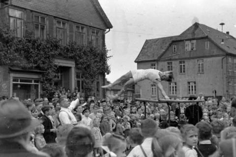 ARH NL Dierssen 0151/0006, Schauturnen, Springe, 1949