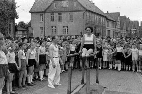 ARH NL Dierssen 0151/0007, Schauturnen, Springe, 1949