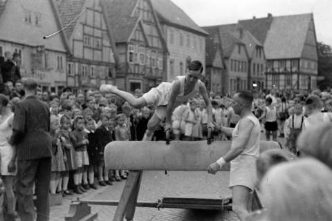 ARH NL Dierssen 0151/0008, Schauturnen, Springe, 1949