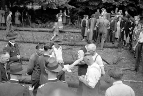 ARH NL Dierssen 0151/0023, Forstarbeiter - Betriebsfeier, 1949