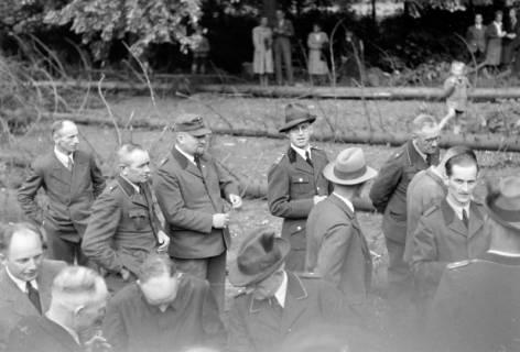 ARH NL Dierssen 0152/0001, Forstarbeiter - Betriebsfeier, 1949