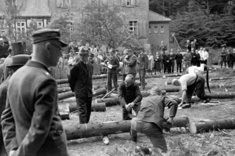 ARH NL Dierssen 0152/0010, Forstarbeiter - Betriebsfeier, 1949