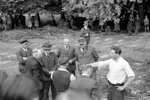 ARH NL Dierssen 0152/0014, Forstarbeiter - Betriebsfeier, 1949