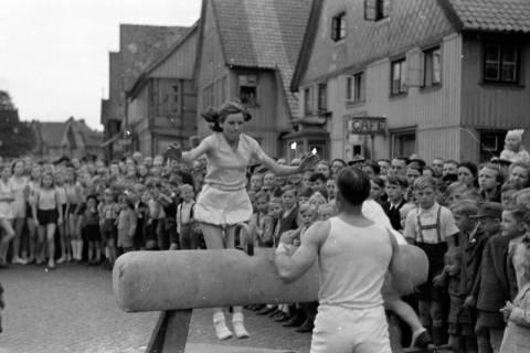 ARH NL Dierssen 0152/0018, Schauturnen, 1949