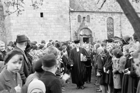 ARH NL Dierssen 0154/0003, Konfirmation, Völksen, 1949