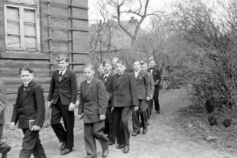 ARH NL Dierssen 0154/0005, Konfirmation, Völksen, 1949