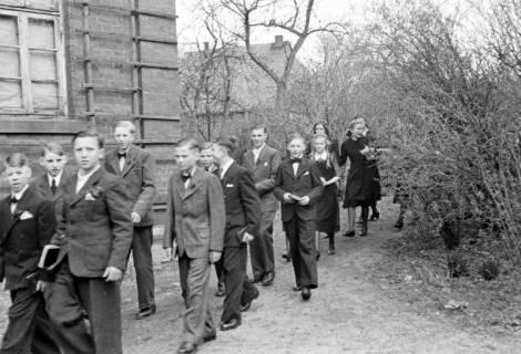ARH NL Dierssen 0154/0006, Konfirmation, Völksen, 1949