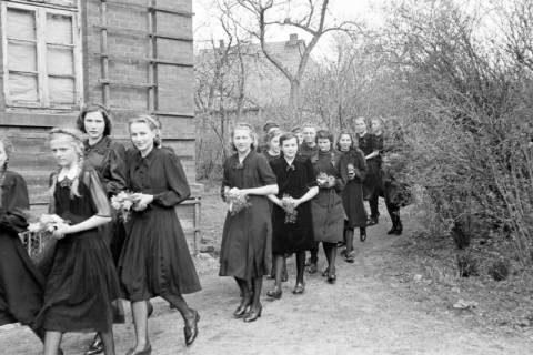 ARH NL Dierssen 0154/0008, Konfirmation, Völksen, 1949