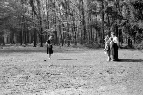 ARH NL Dierssen 0157/0008, Familie Graf, 1949